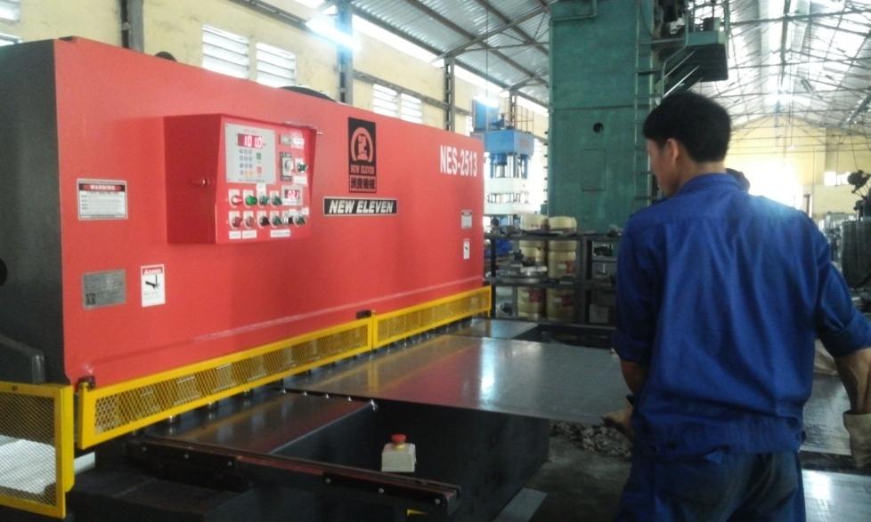 lắp đặt máy dập CNC