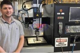 Máy xung EDM CNC – Phương pháp gia công bằng tia lửa điện