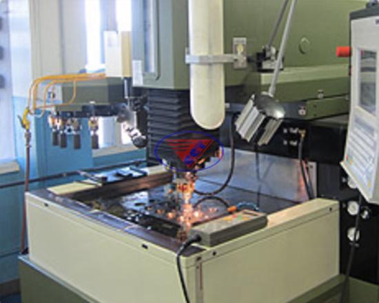 Máy xung EDM CNC