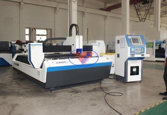 Mua máy cắt tia nước CNC ở đâu giá rẻ