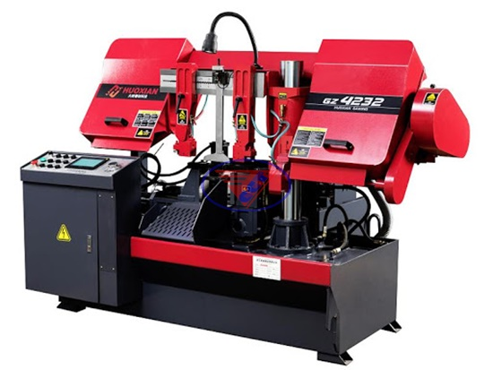 máy cưa vòng CNC