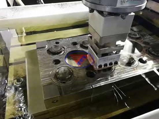 Máy xung điện CNC