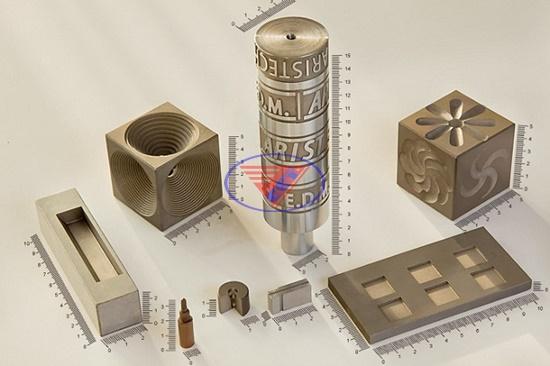 Gia công máy cắt dây molipden (Wire-cut EDM hoặc Wire EDM)