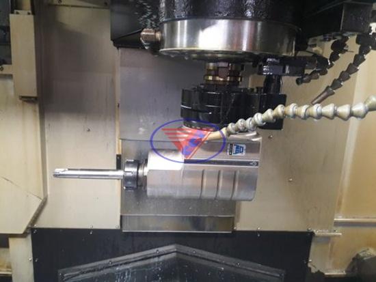 Thay vòng bi trục chính máy phay CNC