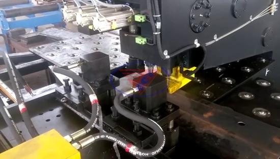 Máy khoan đột CNC Sunrise TPPD 103
