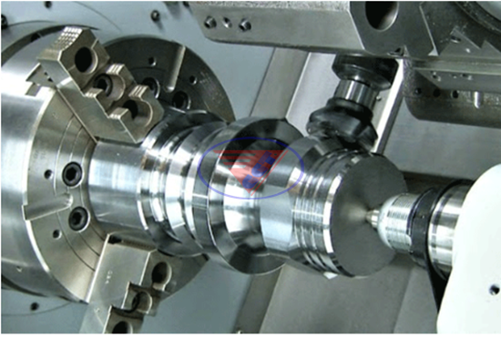 máy tiện kết hợp phay CNC